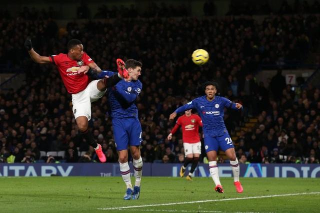 Những khoảnh khắc Man Utd hạ gục Chelsea tại Stamford Bridge  - 12