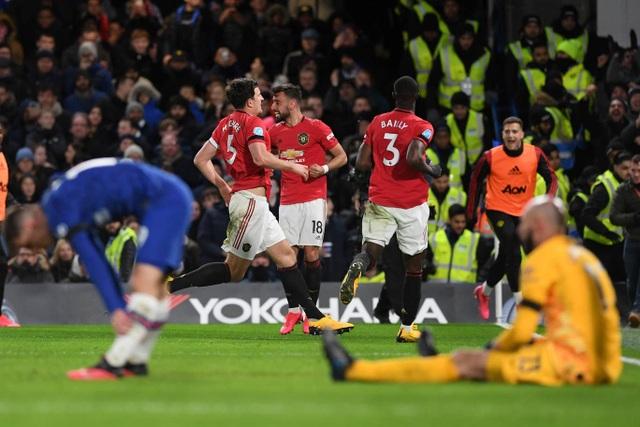 Những khoảnh khắc Man Utd hạ gục Chelsea tại Stamford Bridge  - 17