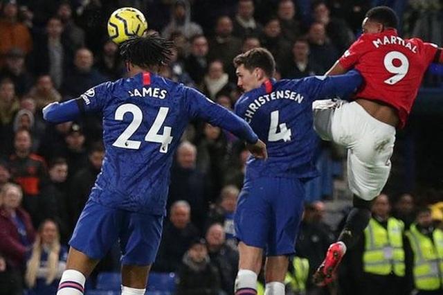 Những khoảnh khắc Man Utd hạ gục Chelsea tại Stamford Bridge  - 11
