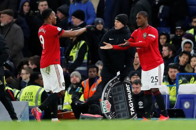Những khoảnh khắc Man Utd hạ gục Chelsea tại Stamford Bridge  - 21