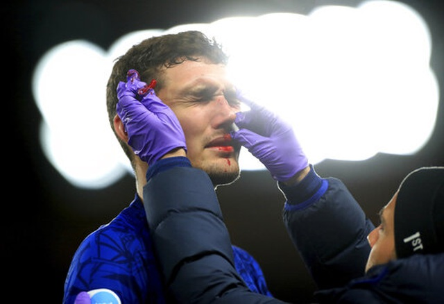 Những khoảnh khắc Man Utd hạ gục Chelsea tại Stamford Bridge  - 10