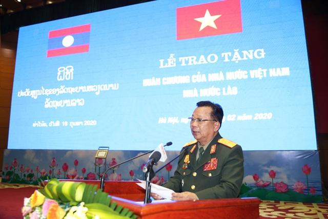 Bộ trưởng Quốc phòng Lào nhận huân chương của Chủ tịch nước Việt Nam - 4