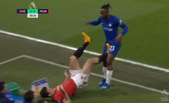 """Chelsea bị VAR """"cướp"""" 2 bàn, HLV Lampard nổi điên - 2"""