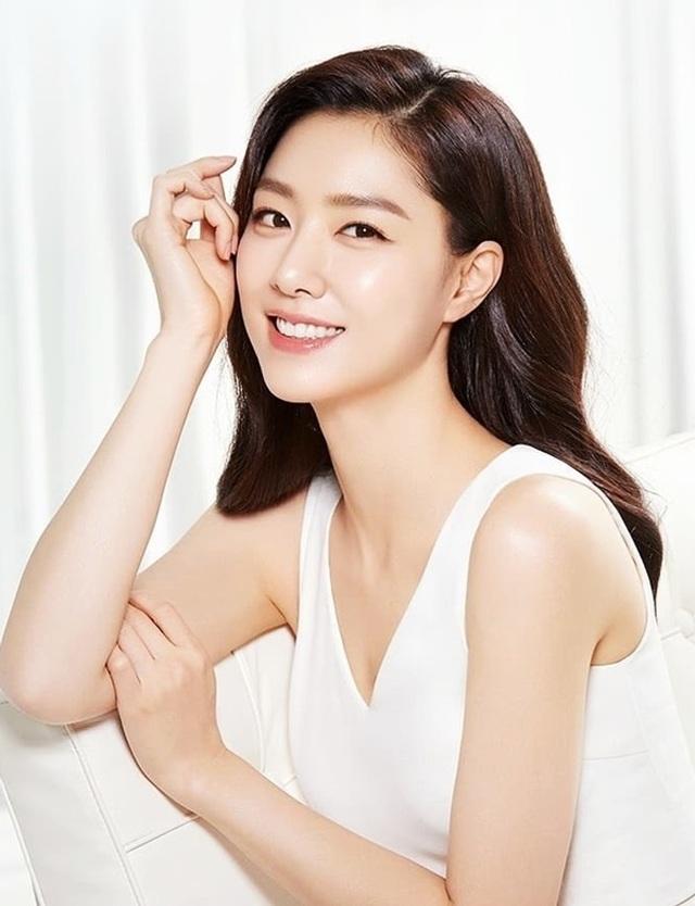 """Seo Ji Hye: Tiểu thư Seo Dan sang chảnh trong """"Hạ cánh nơi anh"""" - 13"""