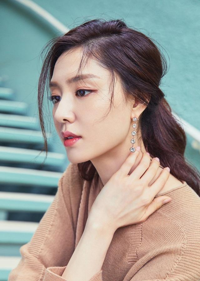 """Seo Ji Hye: Tiểu thư Seo Dan sang chảnh trong """"Hạ cánh nơi anh"""" - 3"""