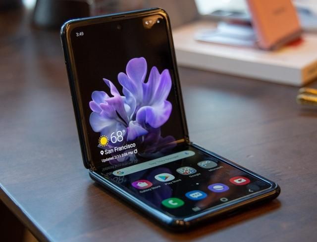 Mở đợt đặt hàng thứ hai, Galaxy Z Flip tiếp tục cháy hàng tại Việt Nam  - 1