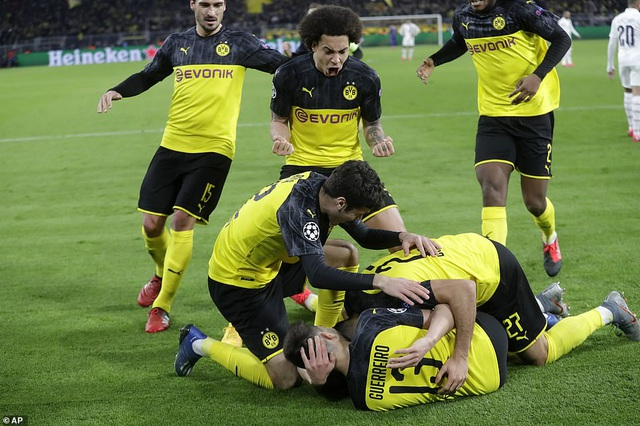 Haaland che mờ Neymar, Dortmund quật ngã PSG - 3
