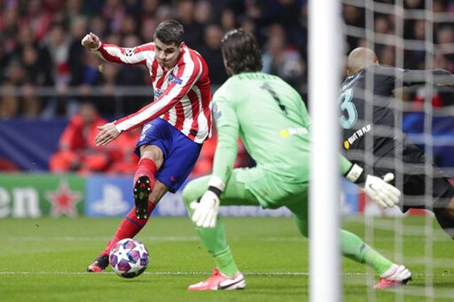 Atletico Madrid 1-0 Liverpool: Bàn thắng duy nhất của Saul - 10