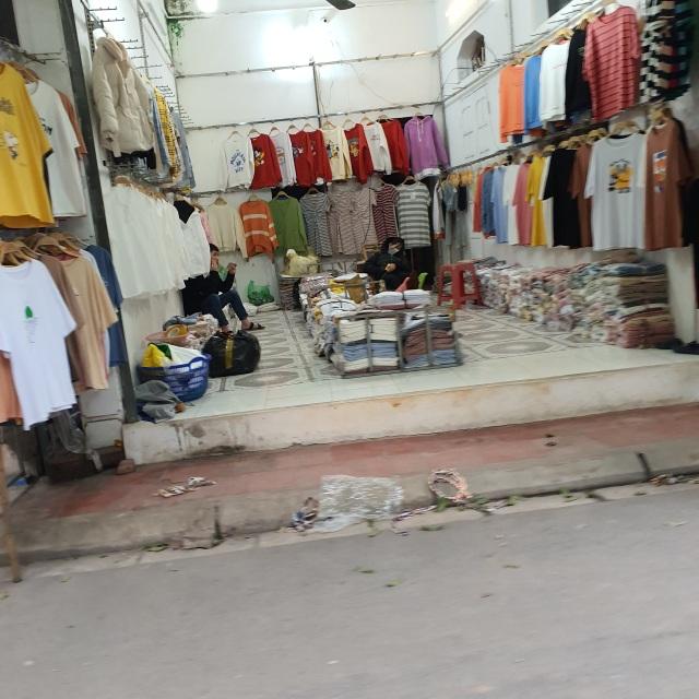 Chợ Ninh Hiệp vắng vẻ, tiểu thương ngồi chơi cả ngày vì không có hàng - 13