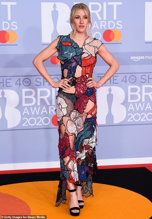 Ellie Goulding lấp ló vòng một gợi cảm - 3