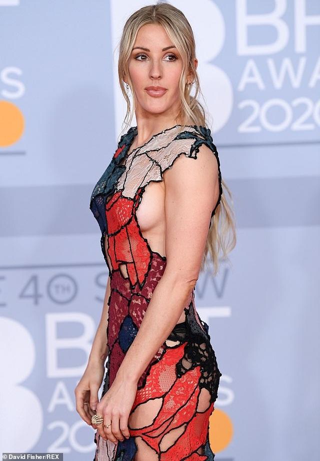 Ellie Goulding lấp ló vòng một gợi cảm - 7