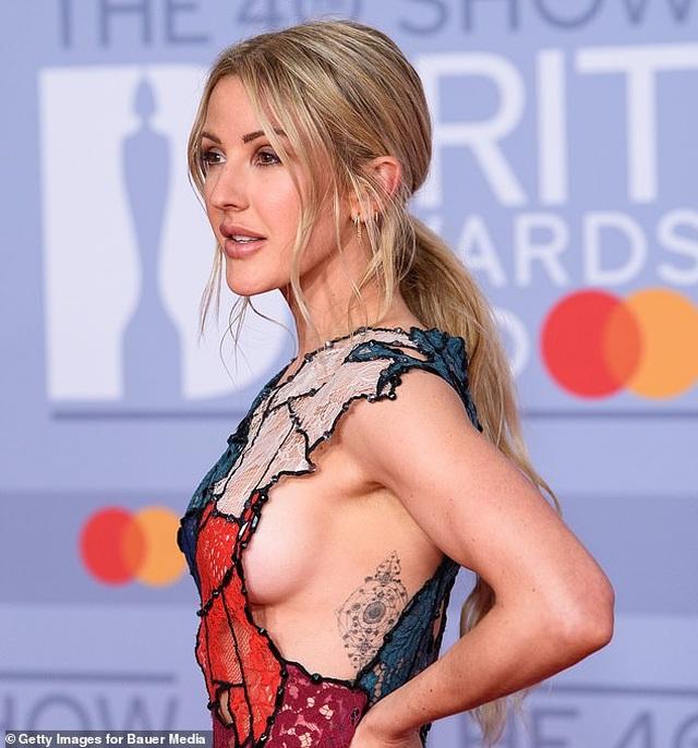 Ellie Goulding lấp ló vòng một gợi cảm - 4