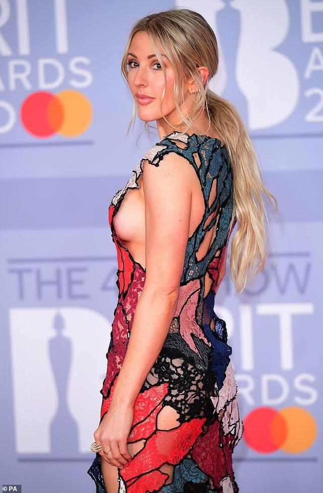 Ellie Goulding lấp ló vòng một gợi cảm - 5