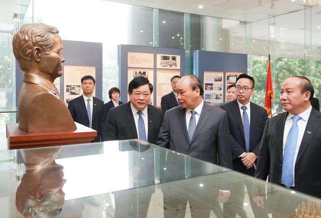 Thủ tướng nêu vấn đề mới để bảo vệ nền tảng giá trị của chế độ - 2
