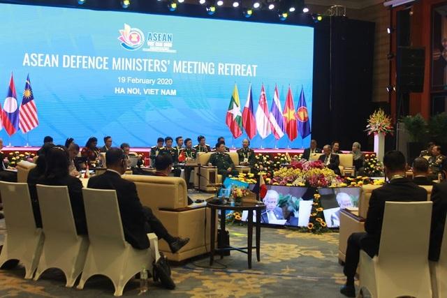 Khai mạc Hội nghị hẹp Bộ trưởng Quốc phòng các nước ASEAN 2020 - 4