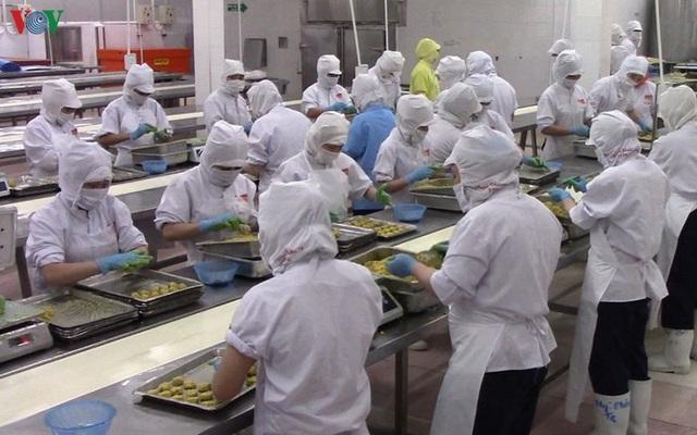 Dịch Covid-19: Công nhân nghỉ việc chăm con, doanh nghiệp linh hoạt trong sản xuất - 1