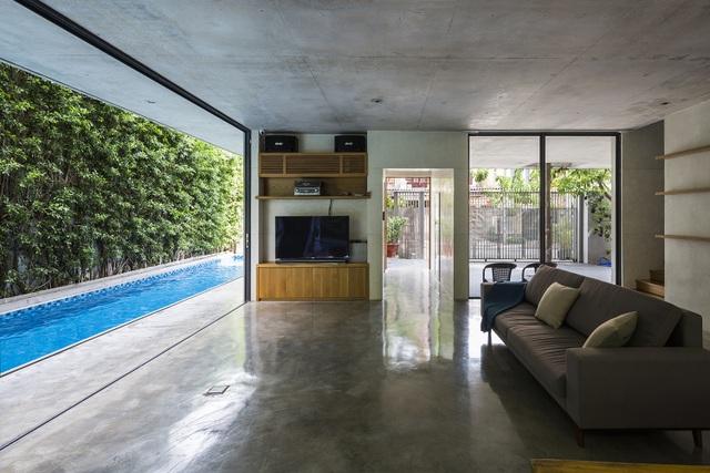 Biệt thự ở Sài Gòn gây ngỡ ngàng bởi thiết kế cây mọc xuyên mái nhà - 5