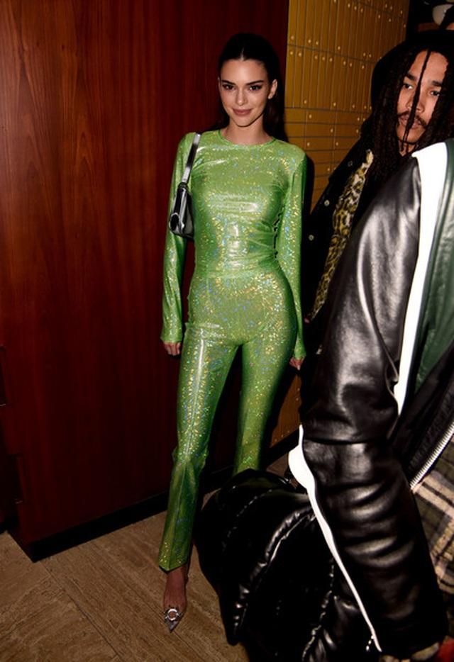 Kendall Jenner lạ mắt trong bộ ảnh mới - 9