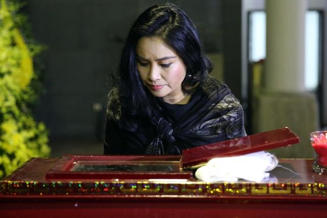 Nghẹn ngào giây phút tiễn biệt giọng ca Opera hàng đầu Việt Nam - Ảnh minh hoạ 8
