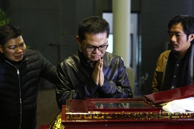 Nghẹn ngào giây phút tiễn biệt giọng ca Opera hàng đầu Việt Nam - Ảnh minh hoạ 7