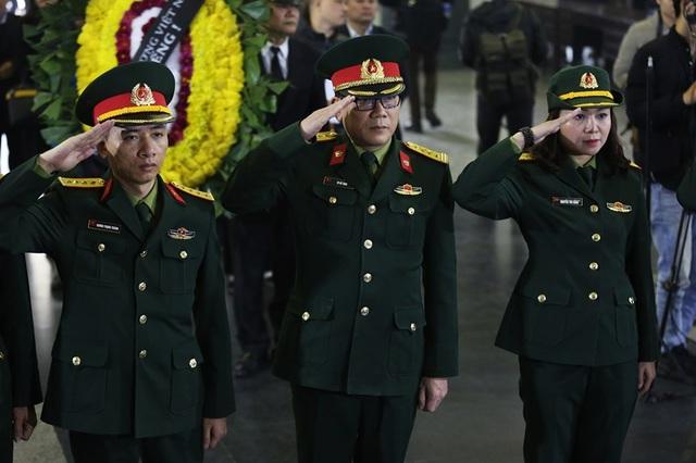 Nghẹn ngào giây phút tiễn biệt giọng ca Opera hàng đầu Việt Nam - Ảnh minh hoạ 9