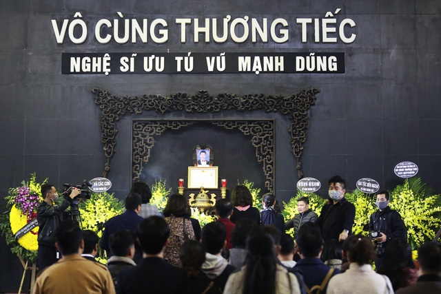 Nghẹn ngào giây phút tiễn biệt giọng ca Opera hàng đầu Việt Nam