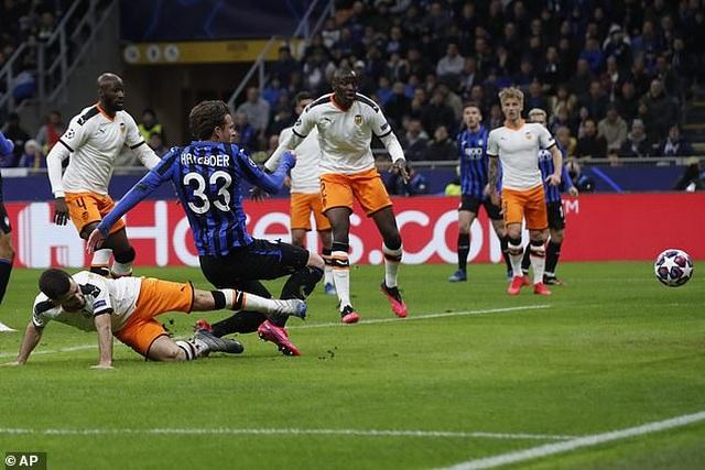 Atalanta 4-1 Valencia: Chiến thắng tưng bừng - 2