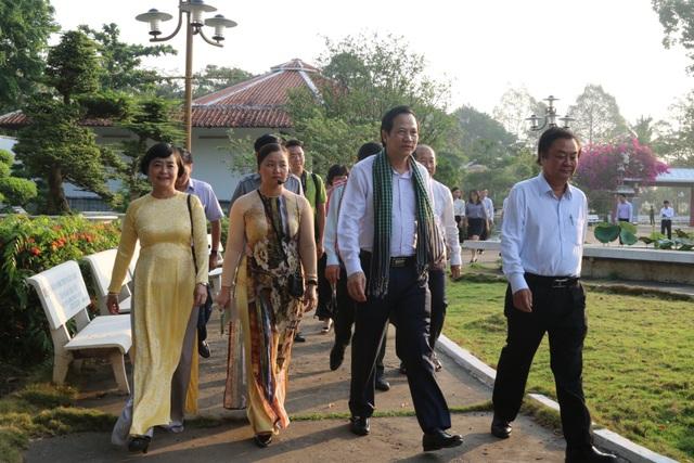 Bộ trưởng Đào Ngọc Dung: Đồng Tháp nên coi nguồn nhân lực là khâu đột phá - 7