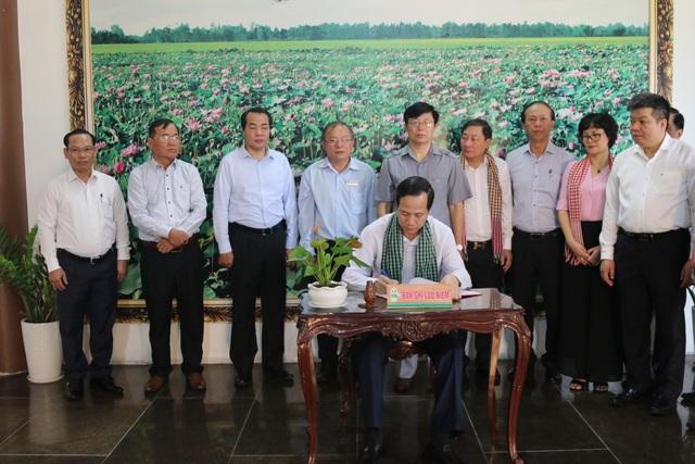 Bộ trưởng Đào Ngọc Dung: Đồng Tháp nên coi nguồn nhân lực là khâu đột phá - 9