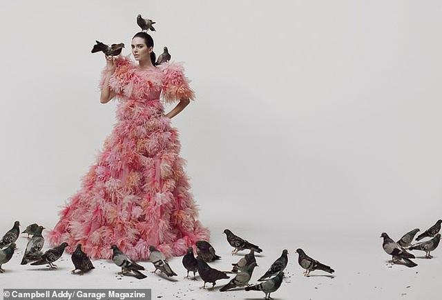 Kendall Jenner lạ mắt trong bộ ảnh mới - 7