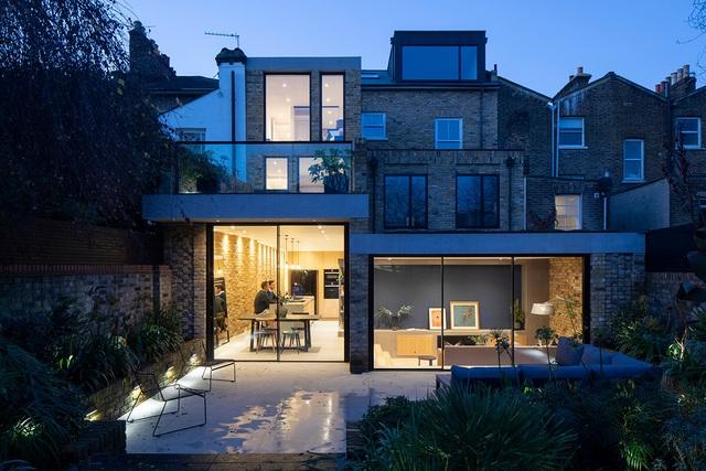 Bất ngờ căn biệt thự đắt giá ở London được cải tạo từ bãi đậu xe cũ - 10