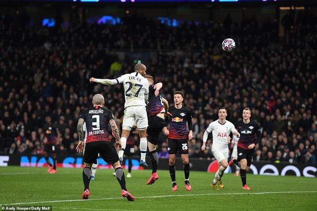Tottenham 0-1 Leipzig: Son Heung Min ngồi ngoài, Mourinho hết phép - 2
