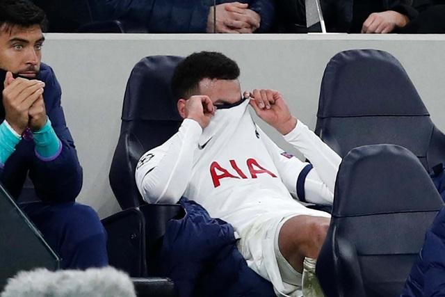 Ngôi sao Tottenham nổi điên, đập phá vì bị thay ra sân - 2