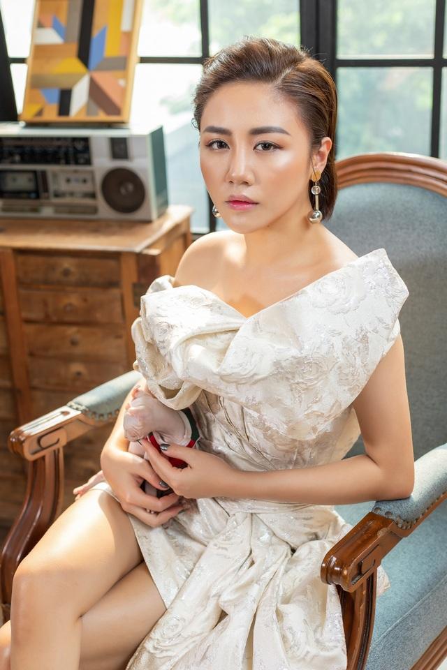 Văn Mai Hương trở lại mạnh mẽ sau ồn ào bị tung clip nhạy cảm - 3