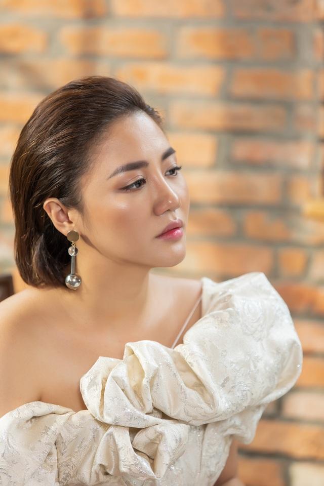 Văn Mai Hương trở lại mạnh mẽ sau ồn ào bị tung clip nhạy cảm - 1