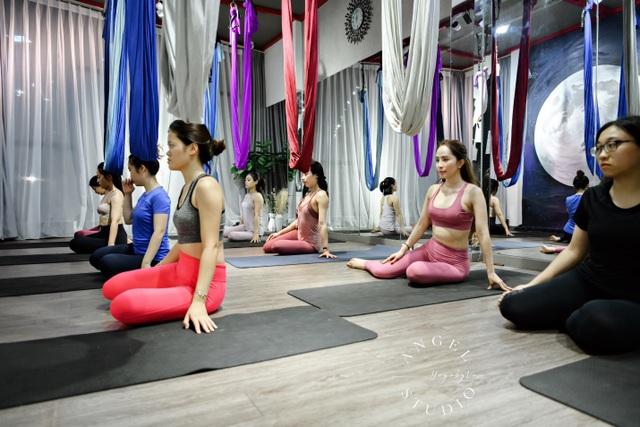 Aerial Yoga bộ môn của những cô nàng yêu cái đẹp - 2
