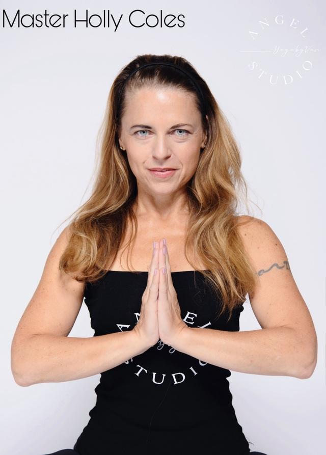 Aerial Yoga bộ môn của những cô nàng yêu cái đẹp - 4