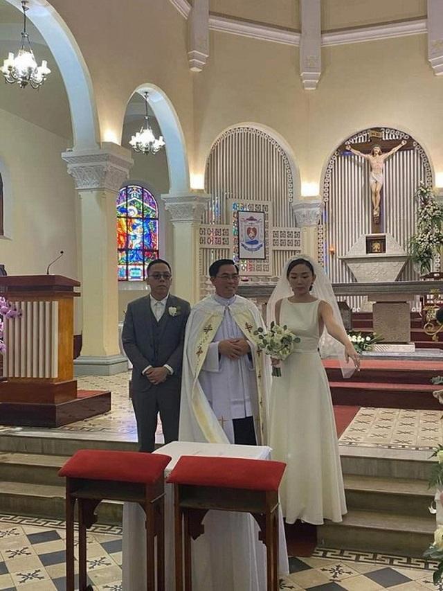 Tóc Tiên lên tiếng giãi bày lý do đám cưới bí mật kiểm soát an ninh - 1