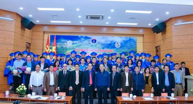 Thêm 28 bác sĩ trẻ thuộc 9 chuyên ngành nóng được giao về huyện nghèo - 1