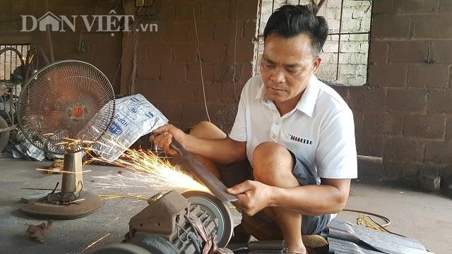 Dùng chiêu song kiếm hợp bích, nông dân Việt bán dao làng sang Đức - 1