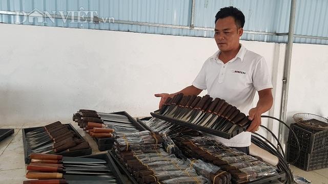 Dùng chiêu song kiếm hợp bích, nông dân Việt bán dao làng sang Đức - 3