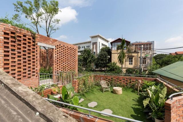 Ngôi nhà gạch trần 800 triệu ở Hà Nội gây sốt bởi vẻ đẹp độc, lạ - 5