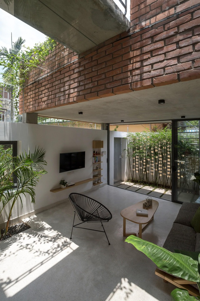 Ngôi nhà gạch trần 800 triệu ở Hà Nội gây sốt bởi vẻ đẹp độc, lạ - 6