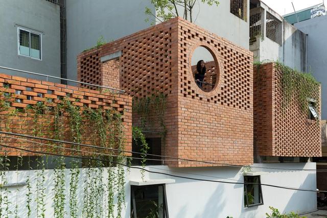 Ngôi nhà gạch trần 800 triệu ở Hà Nội gây sốt bởi vẻ đẹp độc, lạ - 9
