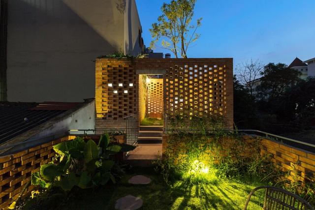 Ngôi nhà gạch trần 800 triệu ở Hà Nội gây sốt bởi vẻ đẹp độc, lạ - 10