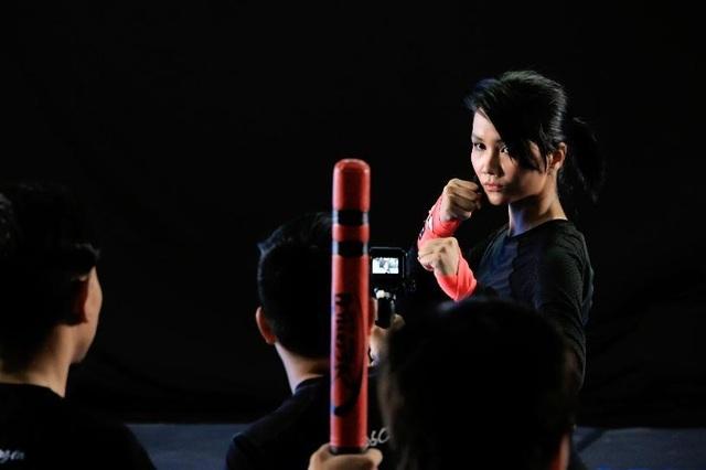 H'Hen Niê phải nhập viện kiểm tra khớp sau 1 tuần tập võ thuật để đóng phim - 5