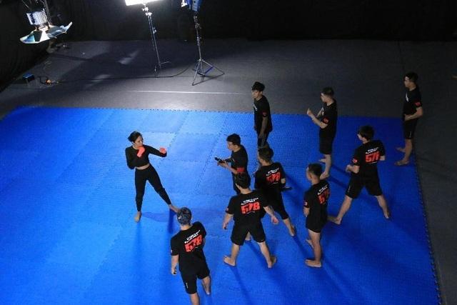 H'Hen Niê phải nhập viện kiểm tra khớp sau 1 tuần tập võ thuật để đóng phim - 6