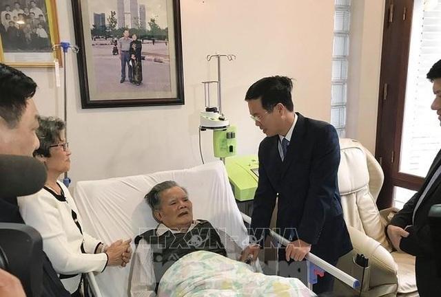 Trưởng ban Tuyên giáo Trung ương Võ Văn Thưởng thăm thầy thuốc Lê Đăng Hà - 1