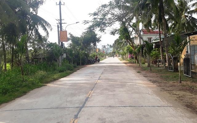 Nhiều nông dân hiến đất làm đường không cần đền bù - 3