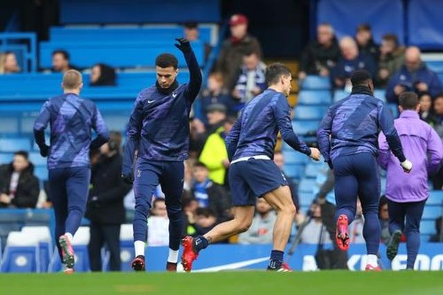 Chelsea 2-1 Tottenham: Hat-trick chiến thắng cho Lampard - 13